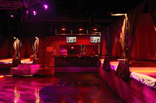 Swing Club Amsterdam : First time Swinger?
